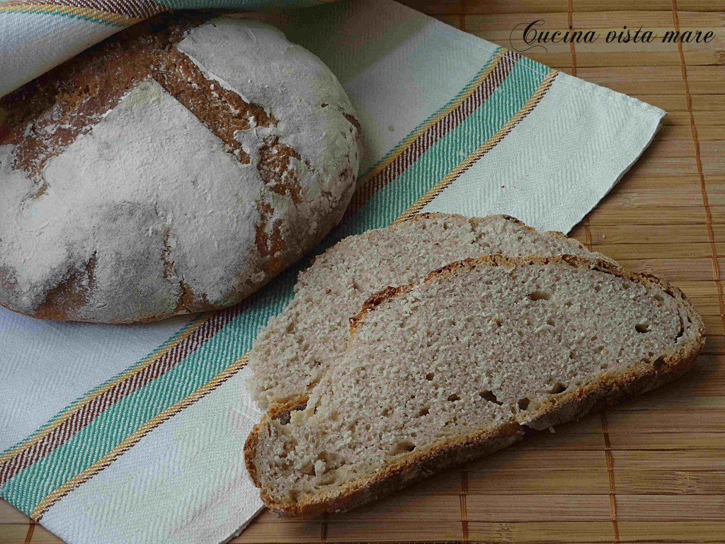 Pane alla farina di farro Cucina vista mare
