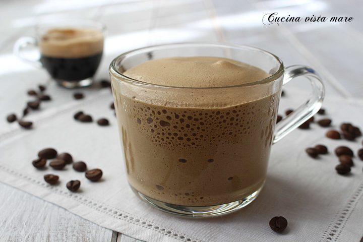 Spuma di caffè Cucina vista mare