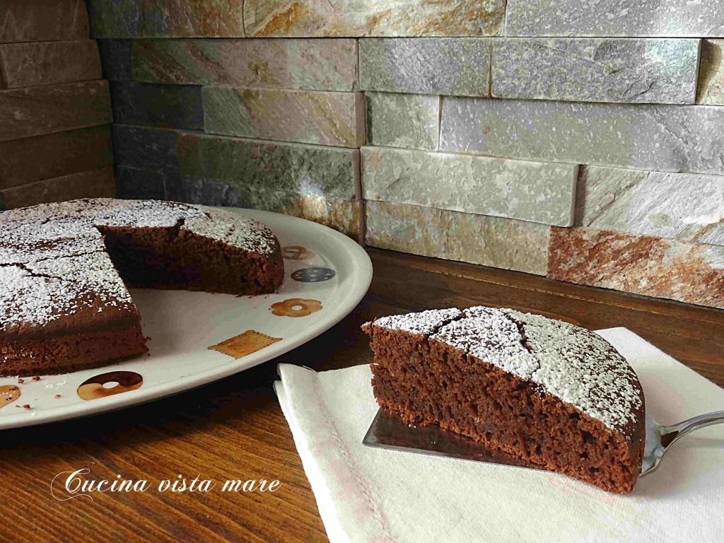 Torta al cioccolato vegan Cucina vista mare