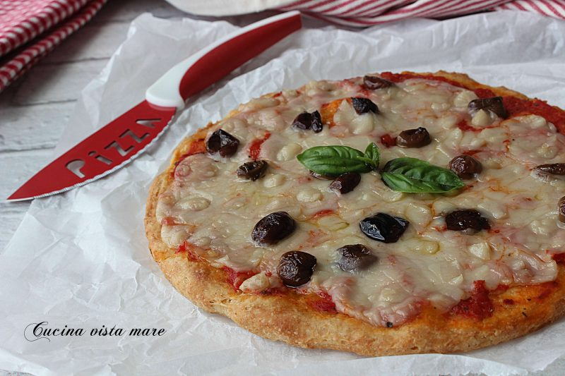 Pizza con mozzarella vegetale