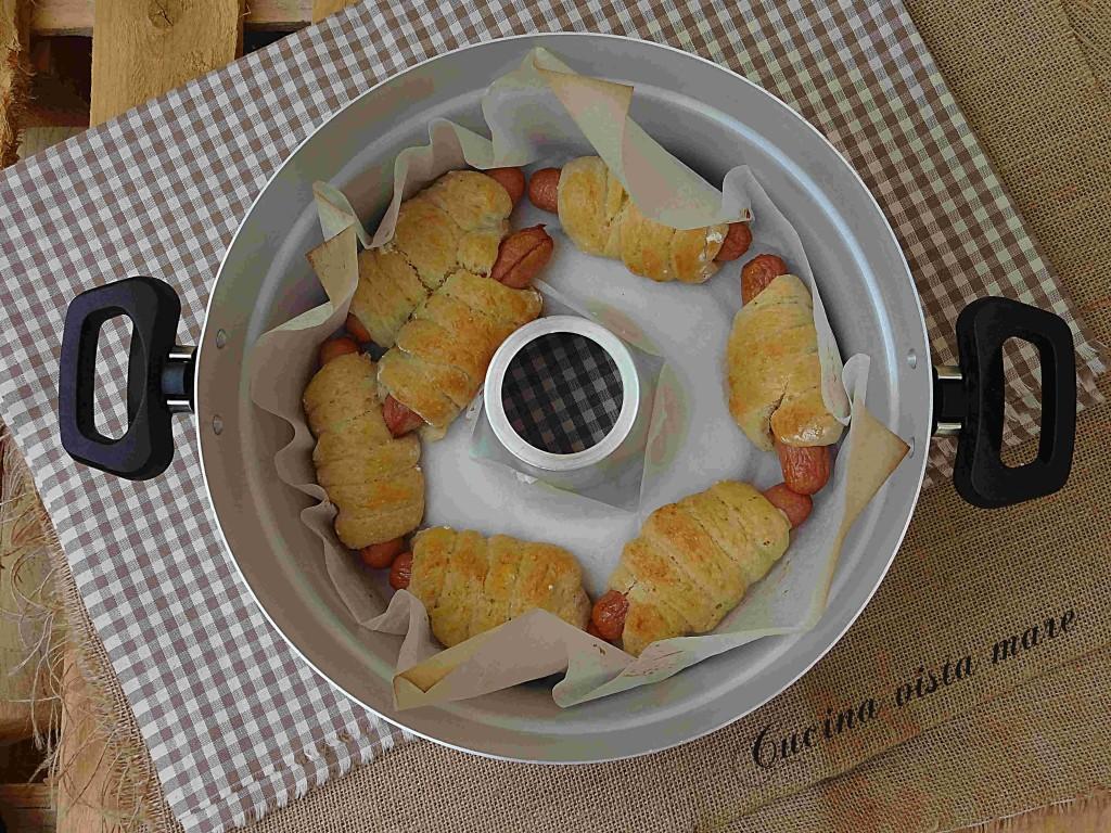 Rollatine ai wurstel nel fornetto Versilia Cucina vista mare
