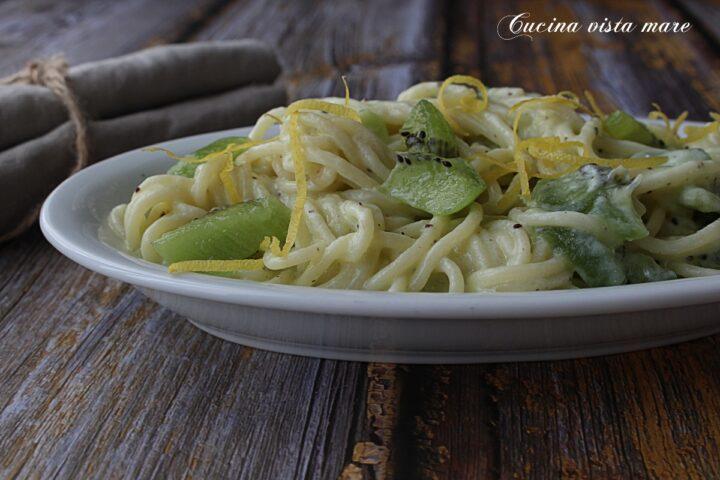 Spaghetti al kiwi Cucina vista mare