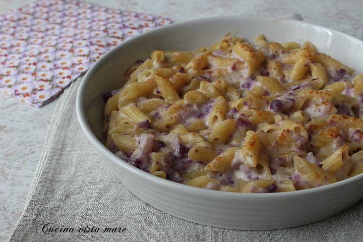 Pasta al forno con cavolfiore viola Cucina vista mare