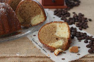 Ciambella bicolore al caffè Cucina vista mare