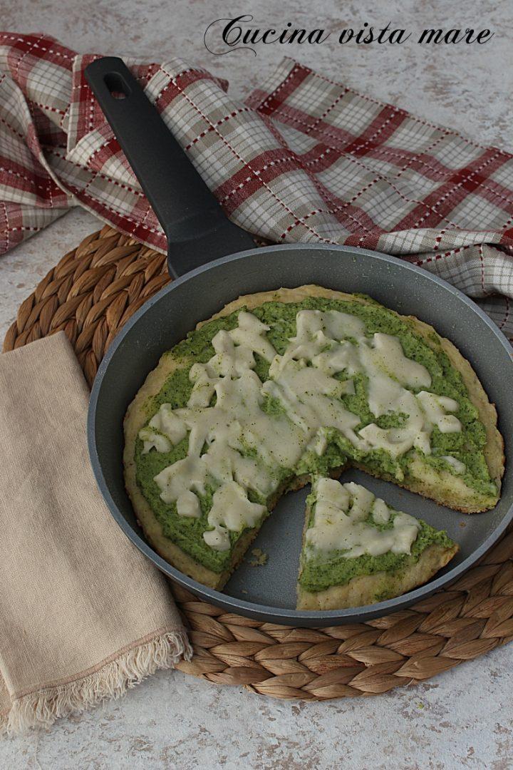 pizza con i broccoli in padella