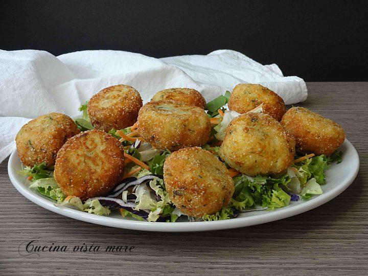 Polpette patate zucchine e porri Cucina vista mare