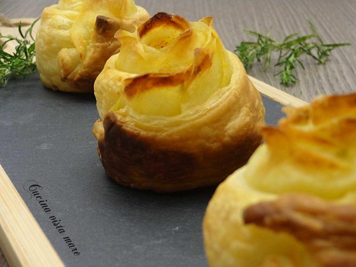 Rose di patate con pasta sfoglia Cucina vista mare