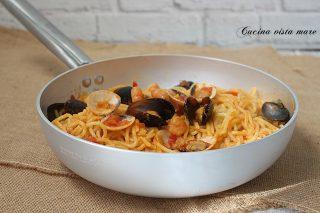 Spaghetti alla chitarra con frutti di mare Cucina vista mare