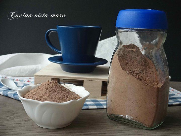 Preparato solubile al cioccolato
