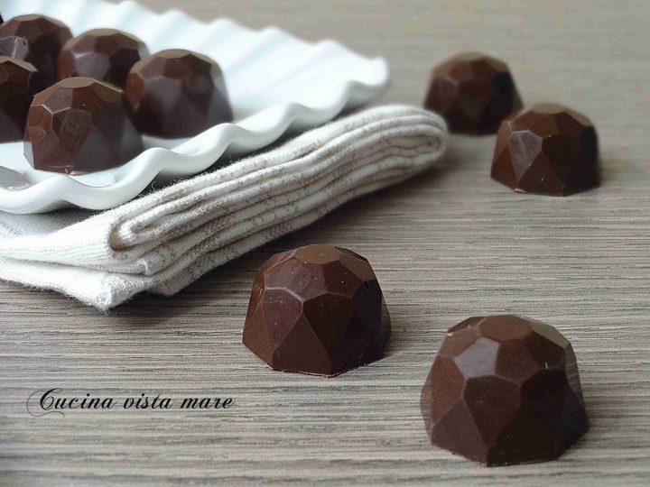 Cioccolatini ripieni al caffè Cucina vista mare