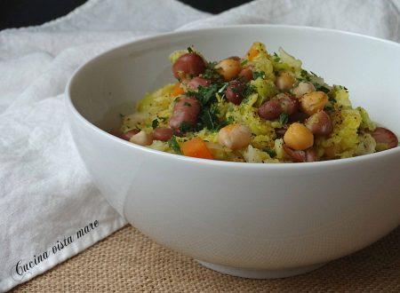 Zuppa di verza e legumi