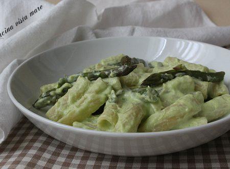 Pasta asparagi e ricotta