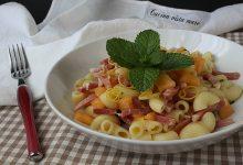 Insalata di pasta con melone e speck