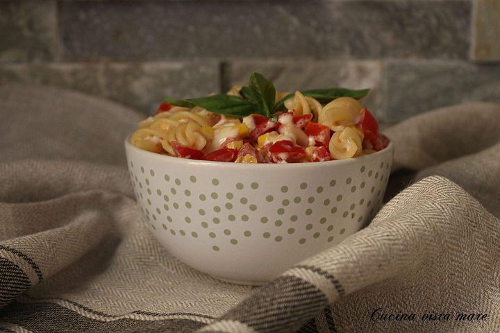 Pasta fredda con mais e pomodorini Cucina vista mare