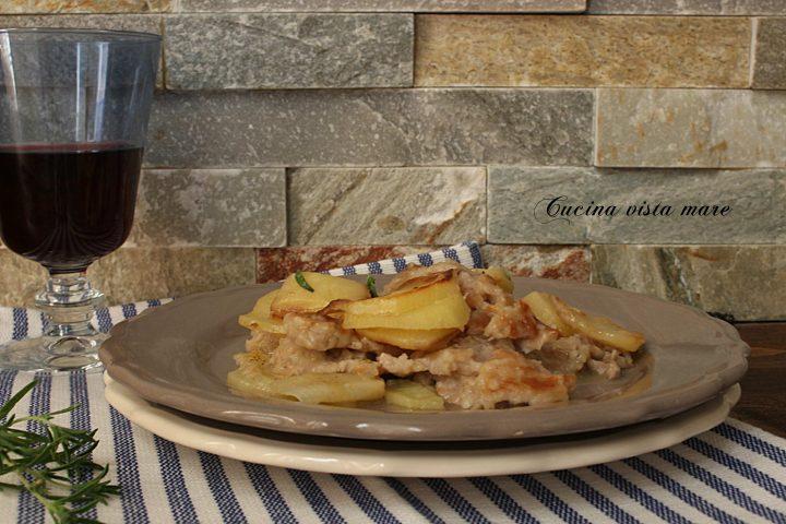 Straccetti di arista con patate Cucina vista mare