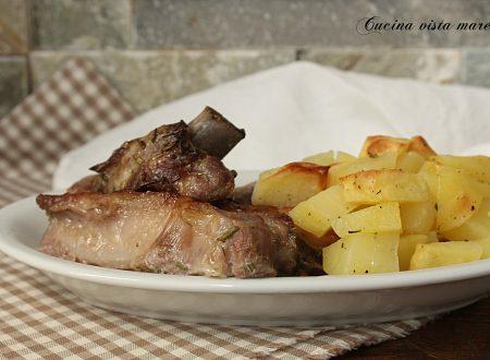 Costine di maiale al forno con patate