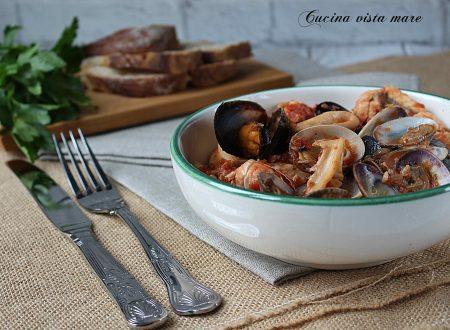 Zuppa di pesce nella slow cooker