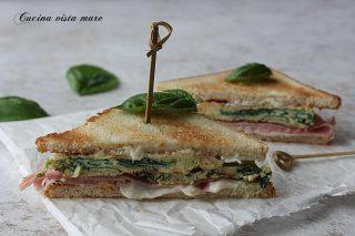 Toast con frittata di spinacini e stracchino Cucina vista mare