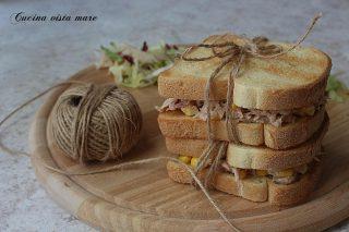 Toast tonno e mais Cucina vista mare