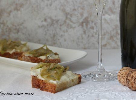 Crostini gorgonzola e miele