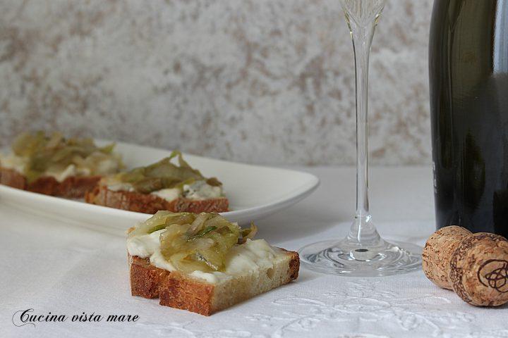 Crostini gorgonzola e miele Cucina vista mare