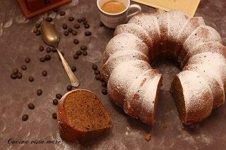 Bundt cake al caffè Cucina vista mare