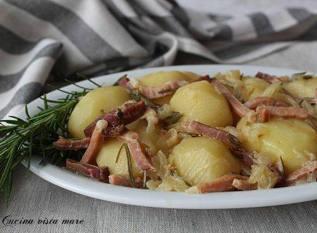 Patate con speck e cipolle