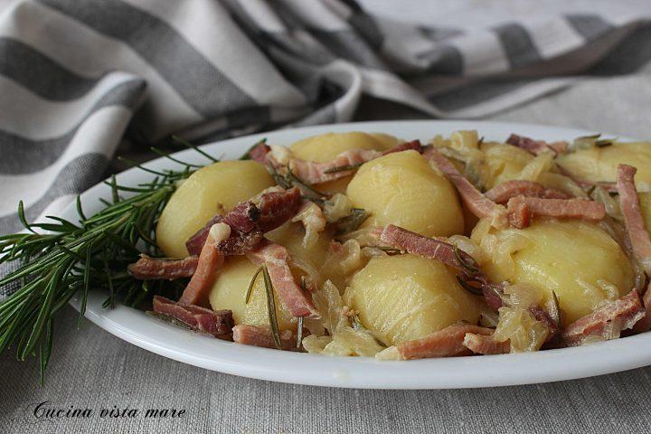 Patate con speck e cipolle Cucina vista mare