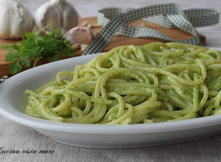 Spaghetti al pesto di prezzemolo