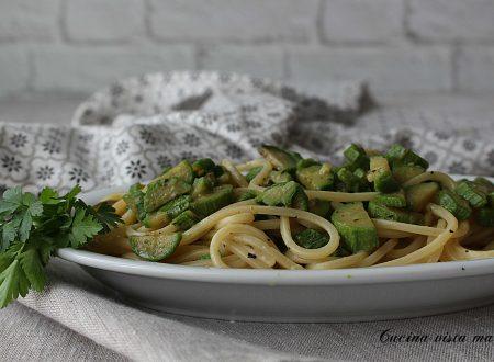 Spaghetti alle erbe mediterranee