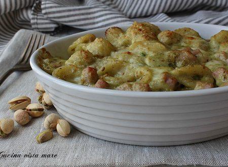 Pasta al forno con pesto di pistacchi