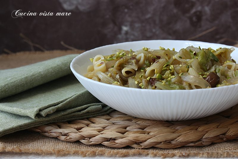 Pasta scarola e pistacchi