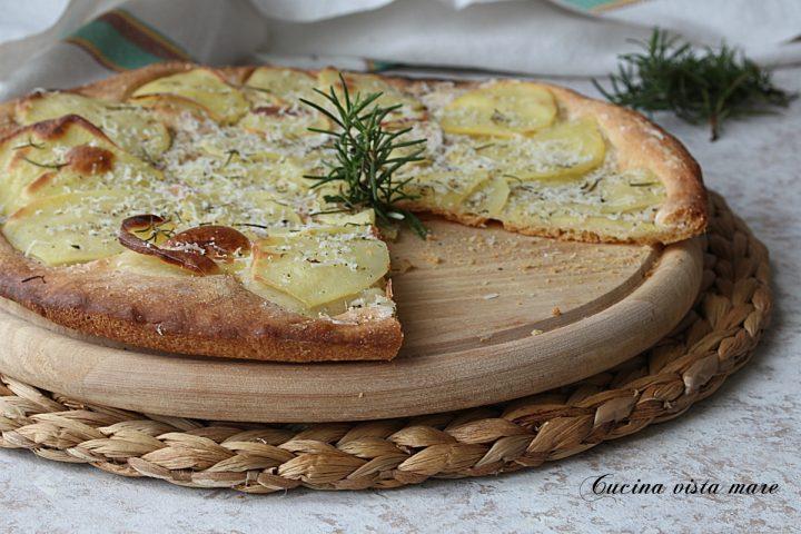 pizza croccante patate e pecorino