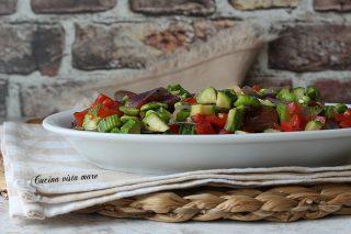 insalata fredda di verdure e legumi