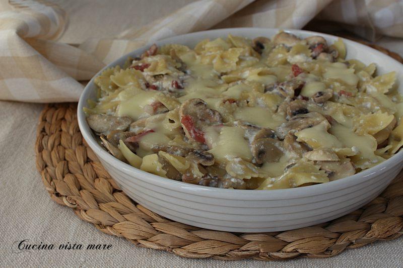 Pasta al forno con ricotta e funghi