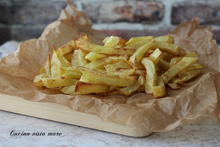 patatine nella friggitrice ad aria