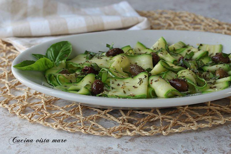 Insalata di zucchine e olive