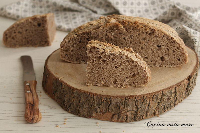 Pane di castagne con pasta madre
