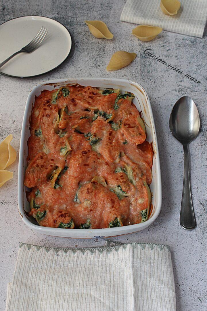 Conchiglioni al forno ricotta e spinaci Cucina vista mare