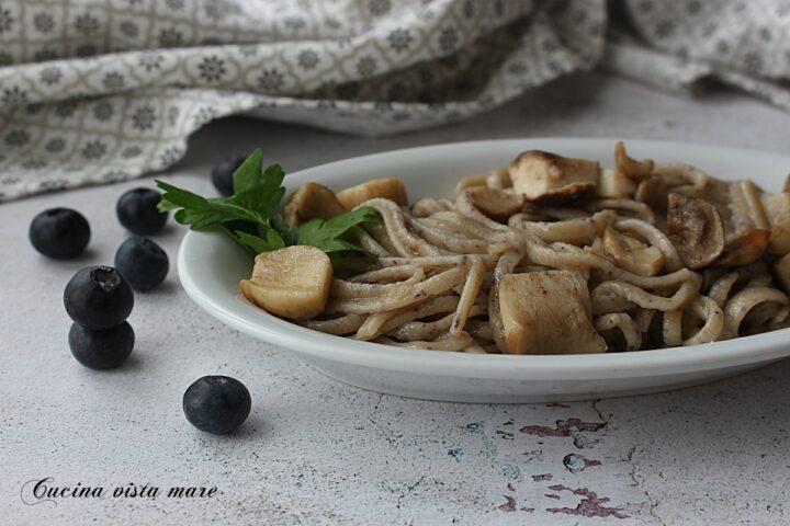 Fettuccine ai funghi porcini Cucina vista mare