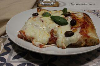 Pizza in teglia semplice Cucina vista mare