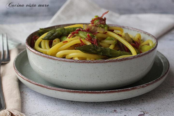 Bucatini asparagi e bresaola Cucina vista mare
