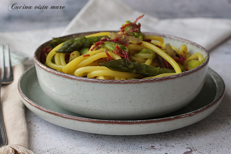 Bucatini asparagi e bresaola