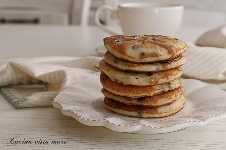 Pancakes con gocce di cioccolato Cucina vista mare