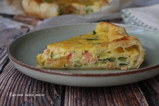 Torta salata salmone e zucchine Cucina vista mare