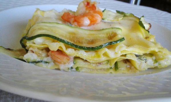 Lasagne con gamberi e zucchine grigliate
