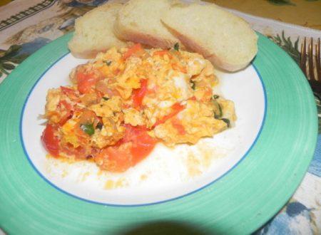 uova strapazzate al pomodoro