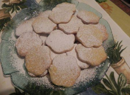 biscotti fiorellini in pasta frolla speciale