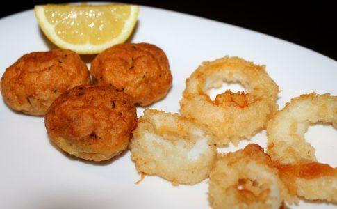 Polpette di pesce e anelli di Totano