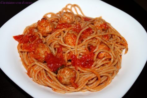 Spaghetti con le polpettine di carne